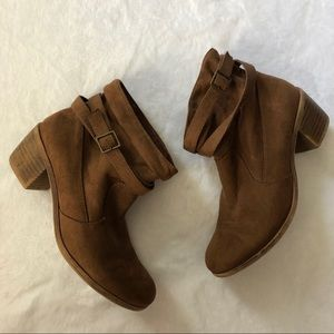 American eagle booties size 8